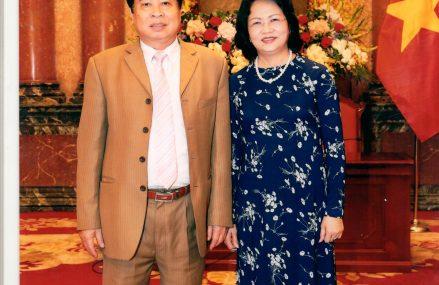 Phó chủ tịch nước Đặng Thị Ngọc Thịnh tiếp Tiến sĩ Nguyễn Thiện Trưởng nhân ngày nhà thuốc Việt Nam 26/2/2017