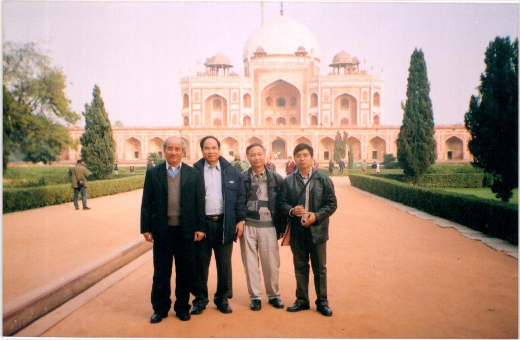 Đoàn cán bộ ủy ban DSGDTEVN do thứ trưởng Nguyễn Thiện Trưởng dẫn đầu trong chuyến thăm Ấn Độ