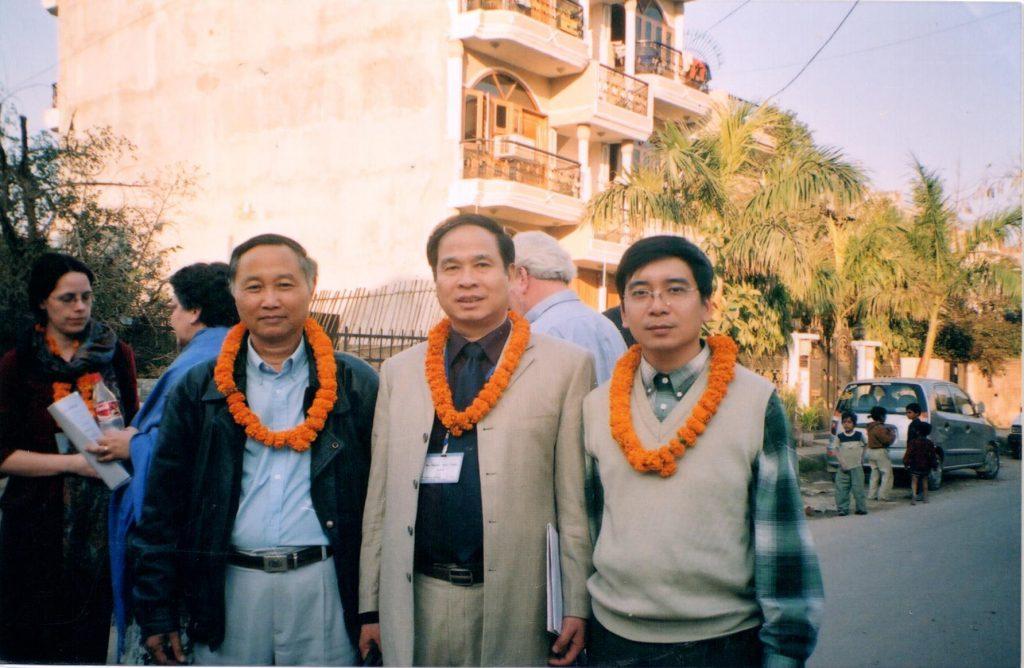 Đoàn đại biểu của Việt Nam chụp ảnh bên lề hội nghị tại Ấn Độ