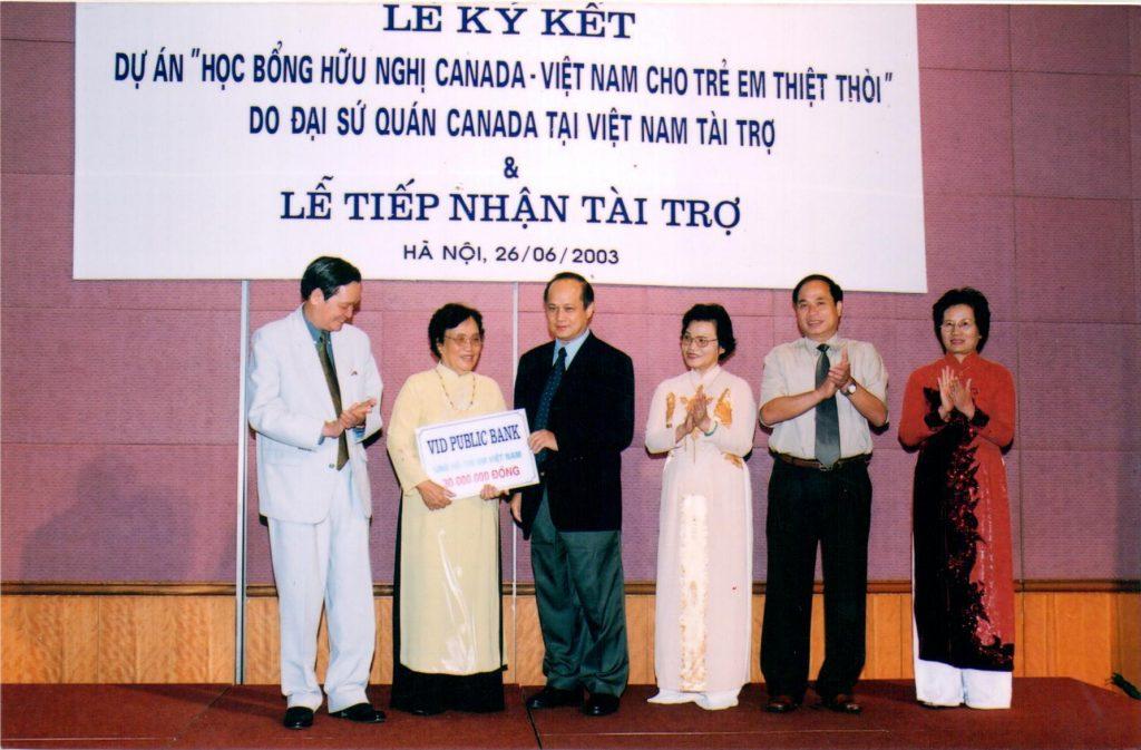 Dự án học bổng hữu nghị Canada - Việt Nam cho trẻ em thiệt thòi Việt Nam