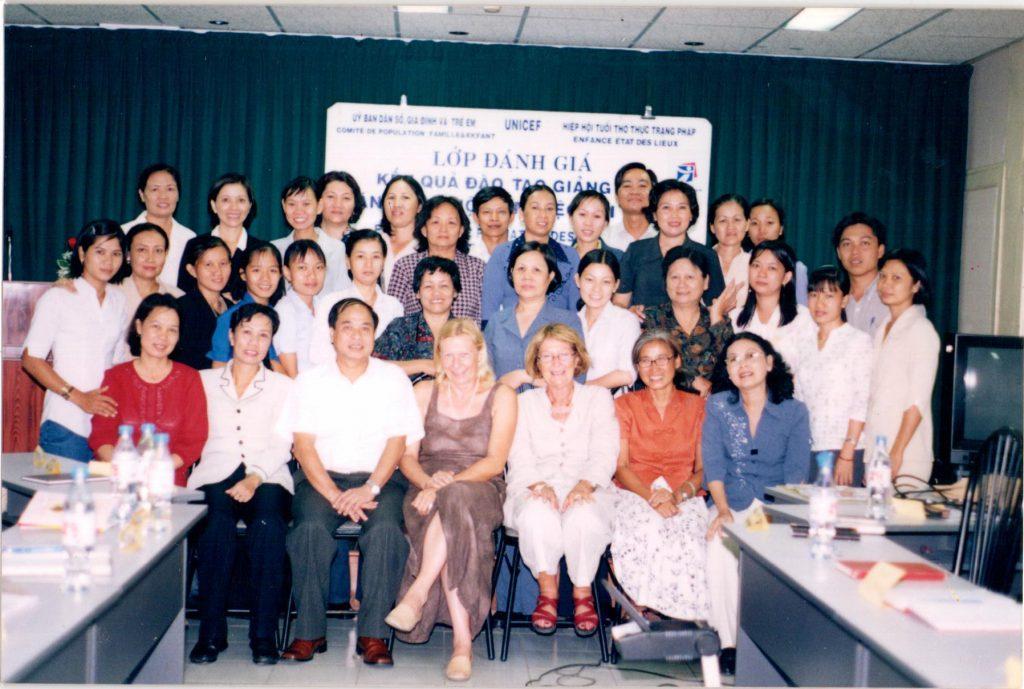 Hội tuổi thọ thực trạng Pháp đào tạo huấn luyện cho các cán bộ y tế Việt Nam trong công tác chăm sóc người cao tuổi tại Việt Nam