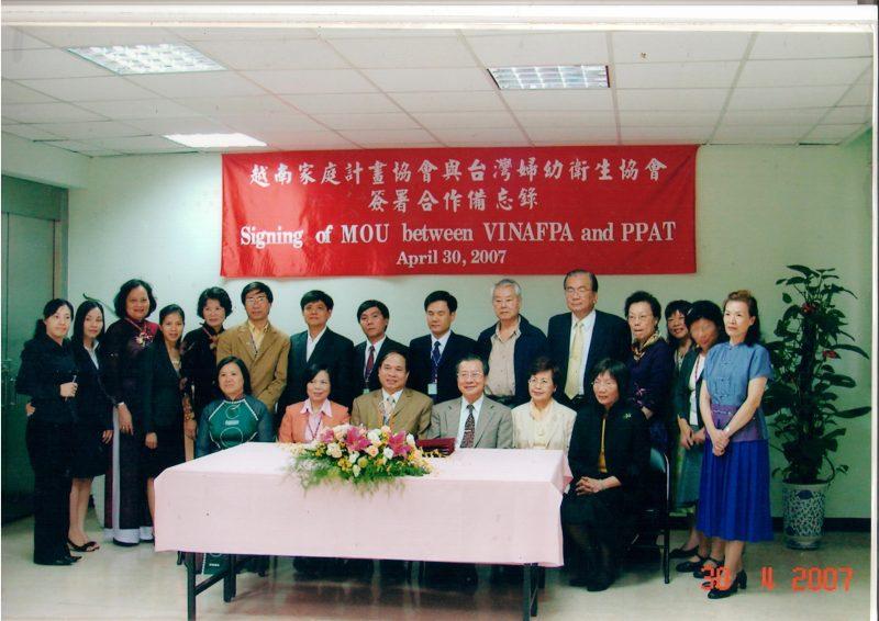 Ủy ban quốc gia dân số gia đình và trẻ em Việt Nam ký thỏa thuận hợp tác với PPAT của Đài Loan về chăm sóc sức khỏe cộng đồng