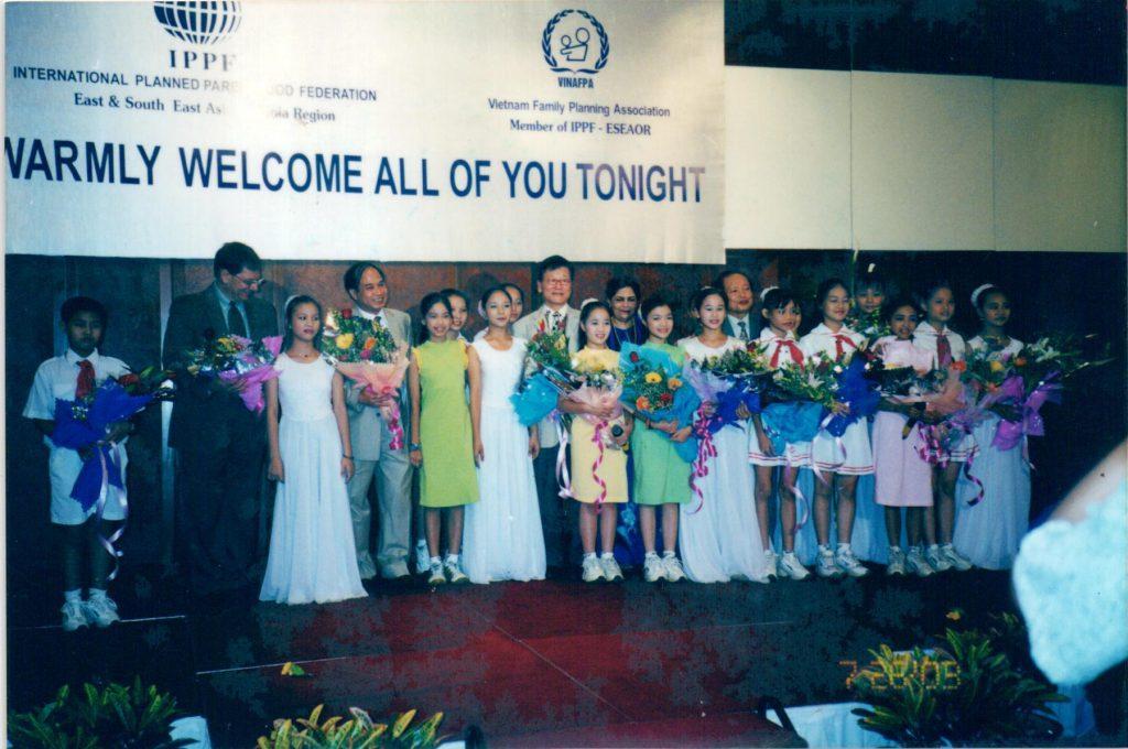 Đêm hội kỷ niệm hoạt động của dự án hợp tác giữa ủy ban dân số gia đình và trẻ em việt nam với liên đoàn cha mẹ thế giới tại Hà Nội